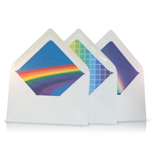 Vrolijk gekleurde enveloppen
