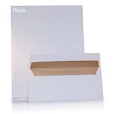 Verschillende formaten gekleurde huisstijl enveloppen
